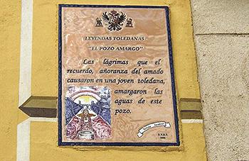 Placa conmemorativa de la leyenda del Pozo Amargo