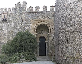 Portal del Castillo de San Servando en Toledo