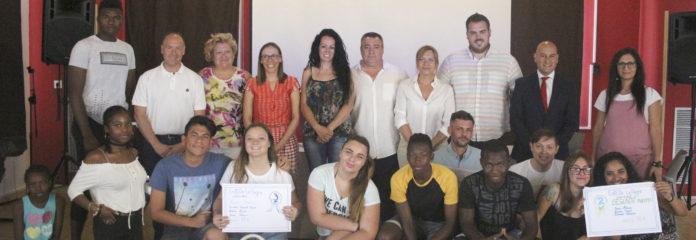 Premiados y autoridades del proyecto EnRedate La Sagra