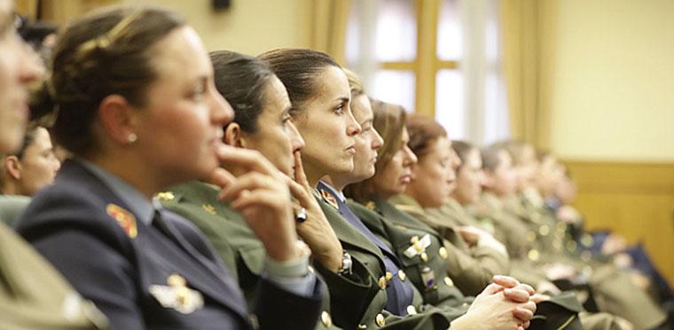 Efectivos de las Fuerzas Armadas Españolas son mujeres