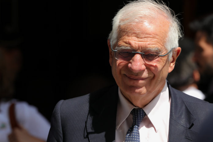 El ministro de Asuntos Exteriores Josep Borrell aprueba el examen del Parlamento Europeo. / EUROPA PRESS