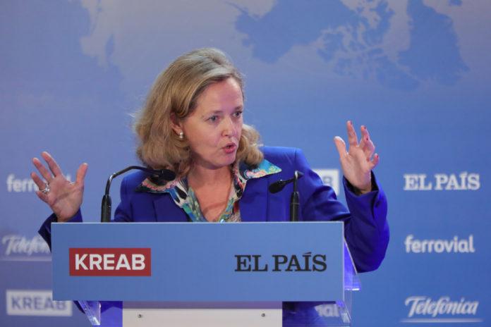 La ministra de Economía, Nadia Calviño, ha comparecido ante los medios. / EP