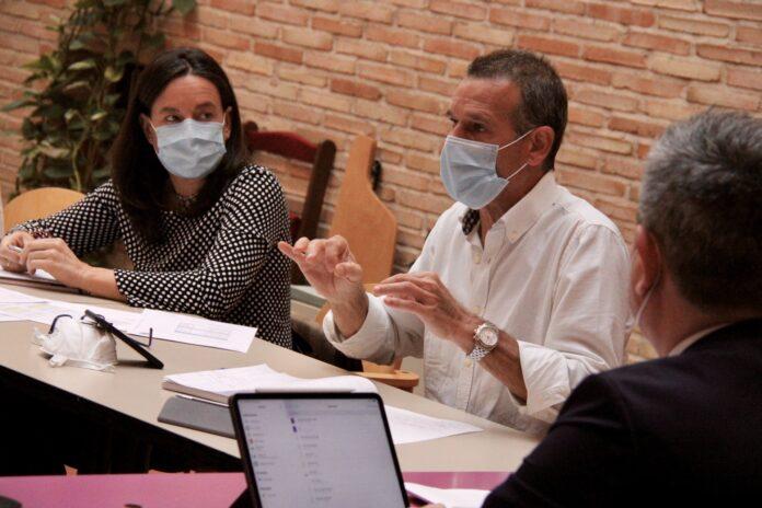 El Viceportapoz del PP, Jose Luis Gamarra durante la comisión de hacienda